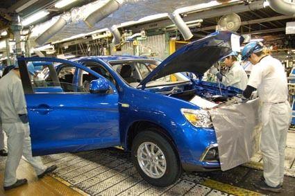 三菱自動車、国内3工場で5月も生産停止 国内外の需要低迷に対応
