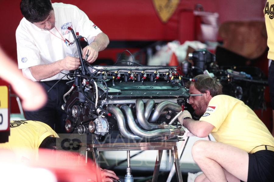 エンジン音とオイルの匂いが懐かしい。美しいフェラーリから失敗のポルシェまでV12エンジン特集【連載第5回:熱田護の勝手に片思い】