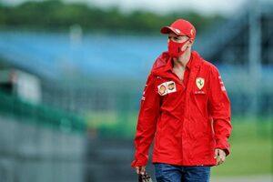 """F1 Topic:レーシングポイント代表の車に同乗したベッテル。""""何か""""を隠した説明に疑問が残る"""