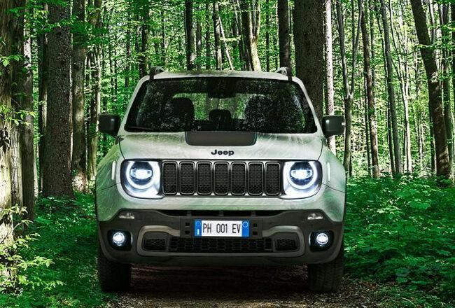 Jeepブランド初のプラグインハイブリッドモデル「レネゲード4xe」が今秋に日本で発売