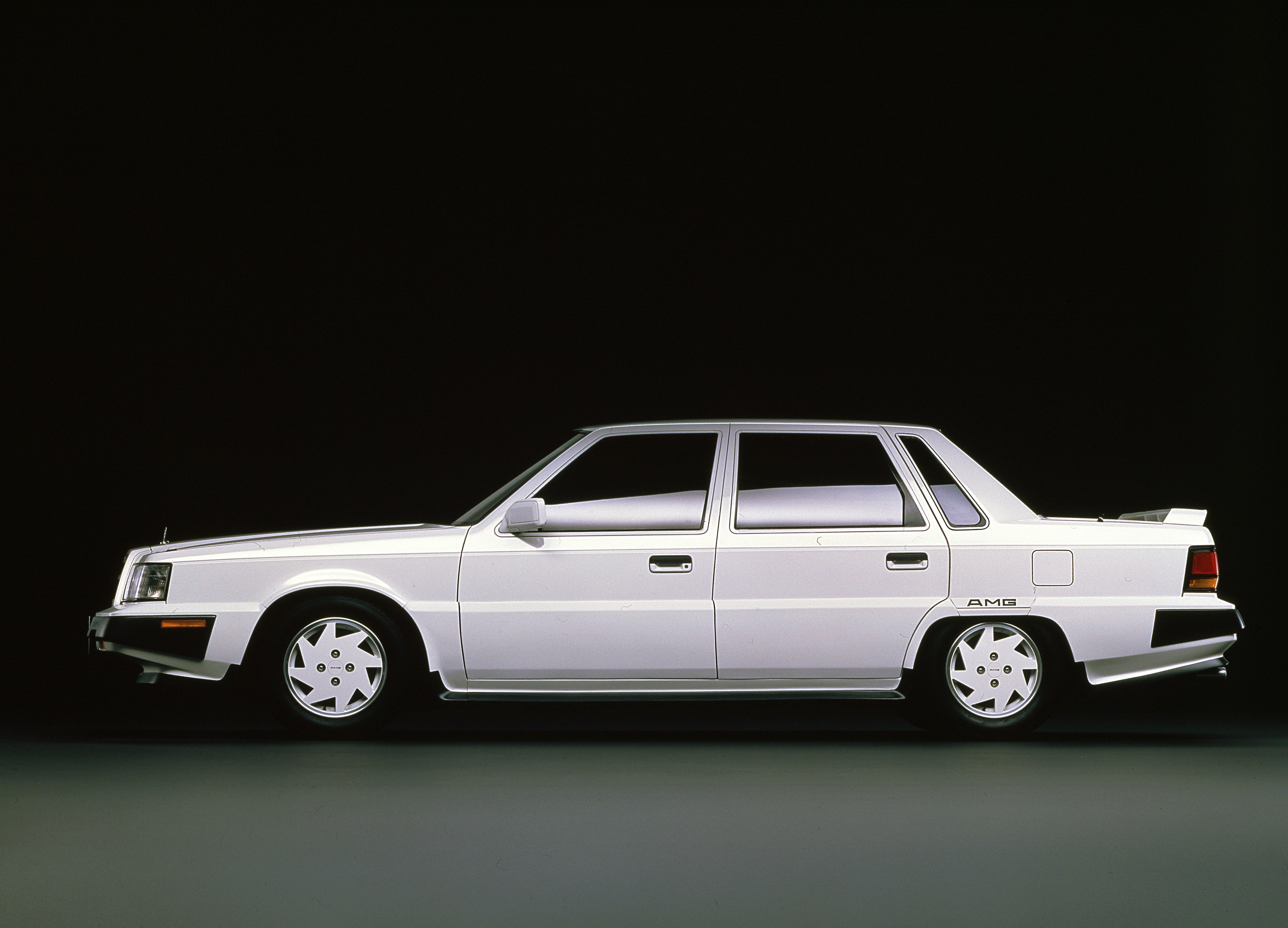 1980年代の個性的な日本車セダン4選