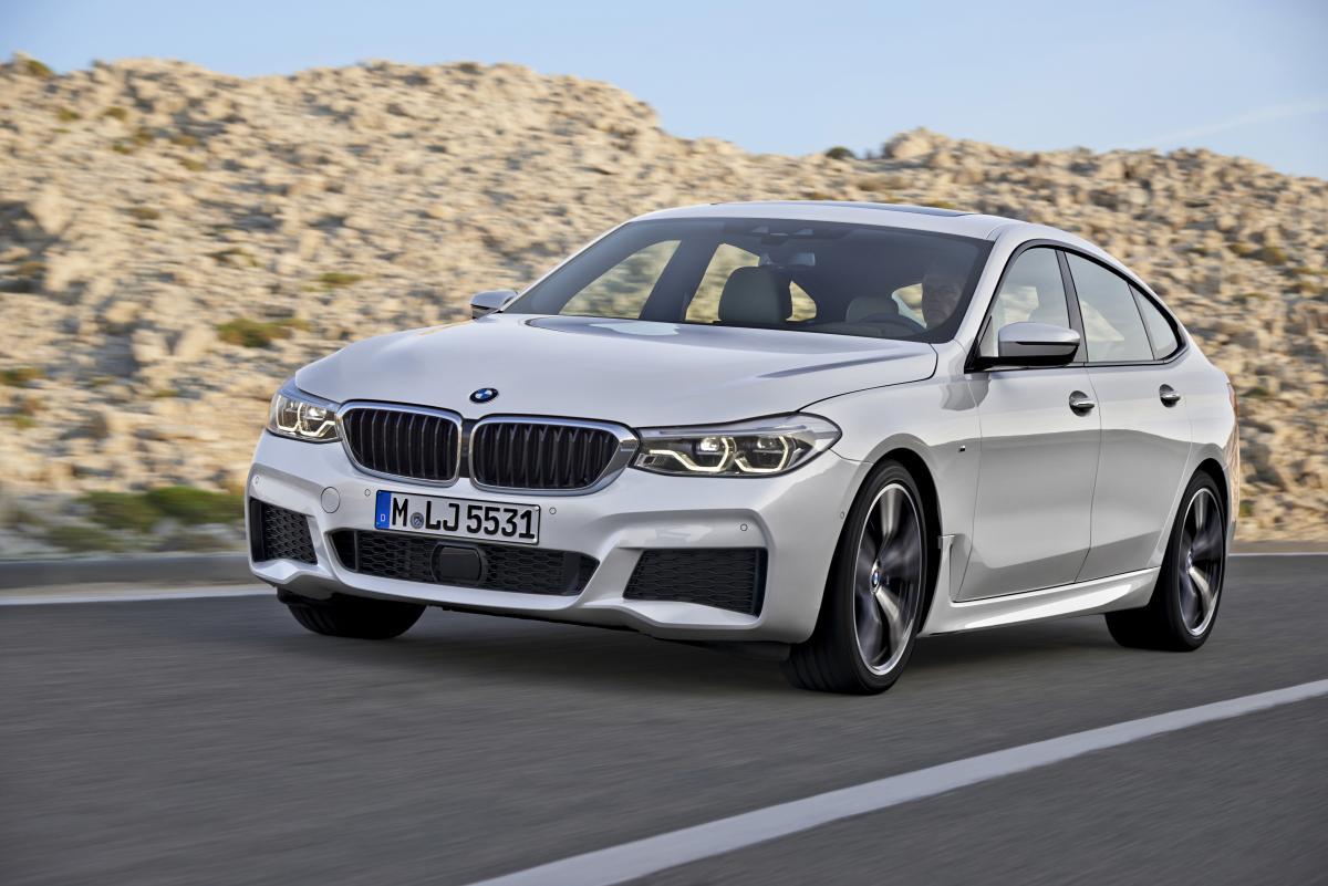 アジア初公開車が5台! BMWは注目のZ4コンセプトも展示