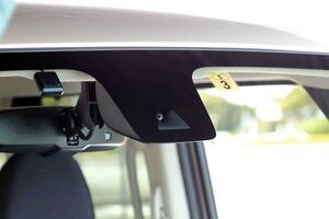 2400万円の「NSX」にバカ売れ「ライズ」の廉価グレード! 安全装備が不十分な「悩ましい」事情とは