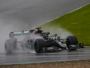 雨のF1シュタイアマルクGP予選、ハミルトンがポールを獲得。フェルスタッペンは2番手【モータースポーツ】