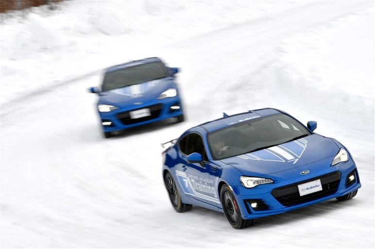 スバル雪上試乗会でインプレッサの完成度や次期WRX STIの走りをチェック