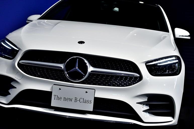 メルセデス新型Bクラス発売。話題のMBUXはもちろんディーゼルモデルも設定