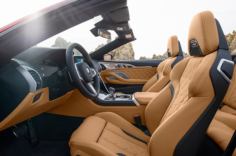 独BMW、8シリーズの高性能版「M8クーペ/カブリオレ」を発表