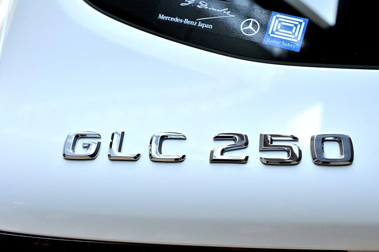 GLC日本発売。待望の右ハンドルを設定したミドルクラスSUV