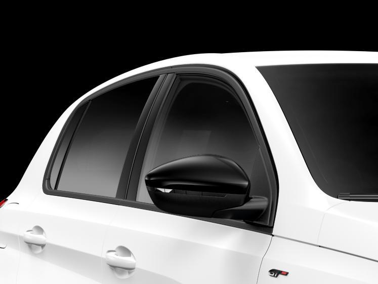 プジョーが精悍なブラックを纏った特別仕様車「308/308 SW GT Line Black Pack」を発売
