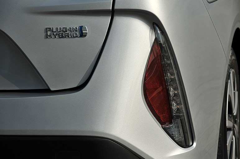 新型プリウスPHVにはスタンダードなプリウスには無い魅力がてんこ盛り