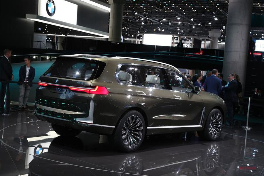 BMWコンセプトX7 2018年後半に生産化 フランクフルト