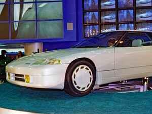 【懐かしの東京モーターショー 10】1985年、マツダはロータリーを搭載したスーパースポーツのMX-03を出展