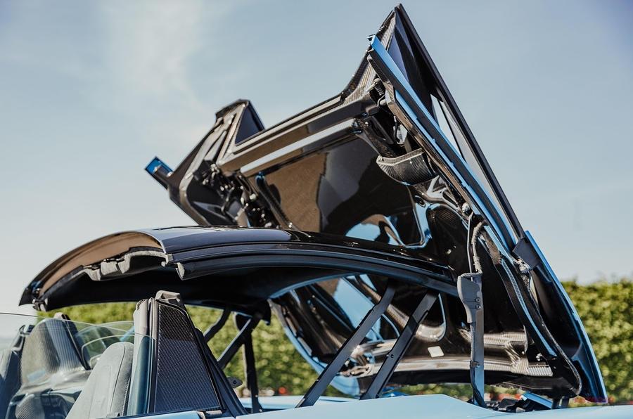 V8を五感で体感 マクラーレン720Sスパイダーに試乗 性能はクーペと遜色なし