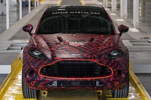 アストン マーティン、DBXの量産前モデルを公開 発売は2020年