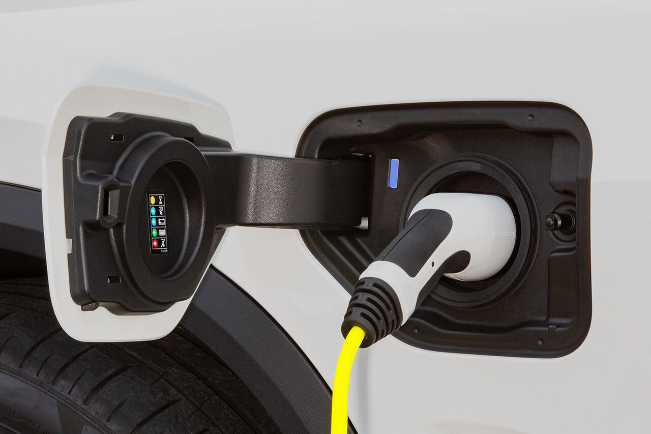 「BMW X5」にエコなプラグインHV仕様とスポーティなMパフォーマンスモデルが追加!