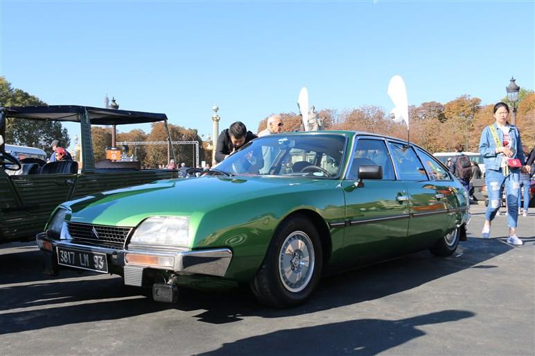 パリMS・120周年でレトロカー大集合。個性的なフランス車って楽しい