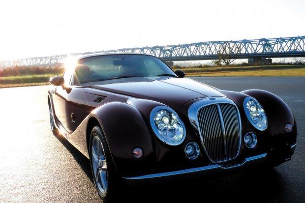 【かつて高性能の象徴だった】「フェンダー」が特徴的な日本車 10選