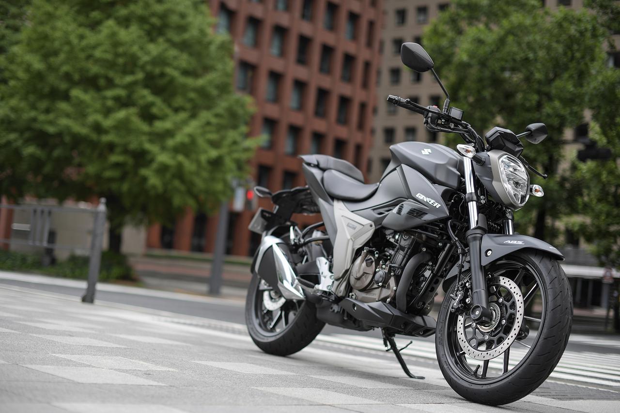 スズキ新型ネイキッド『ジクサー250』とフルカウル『ジクサーSF250』って同じバイクなの? 250cの最高コスパはどっち?【SUZUKI GIXXER 250/試乗インプレ(1)】