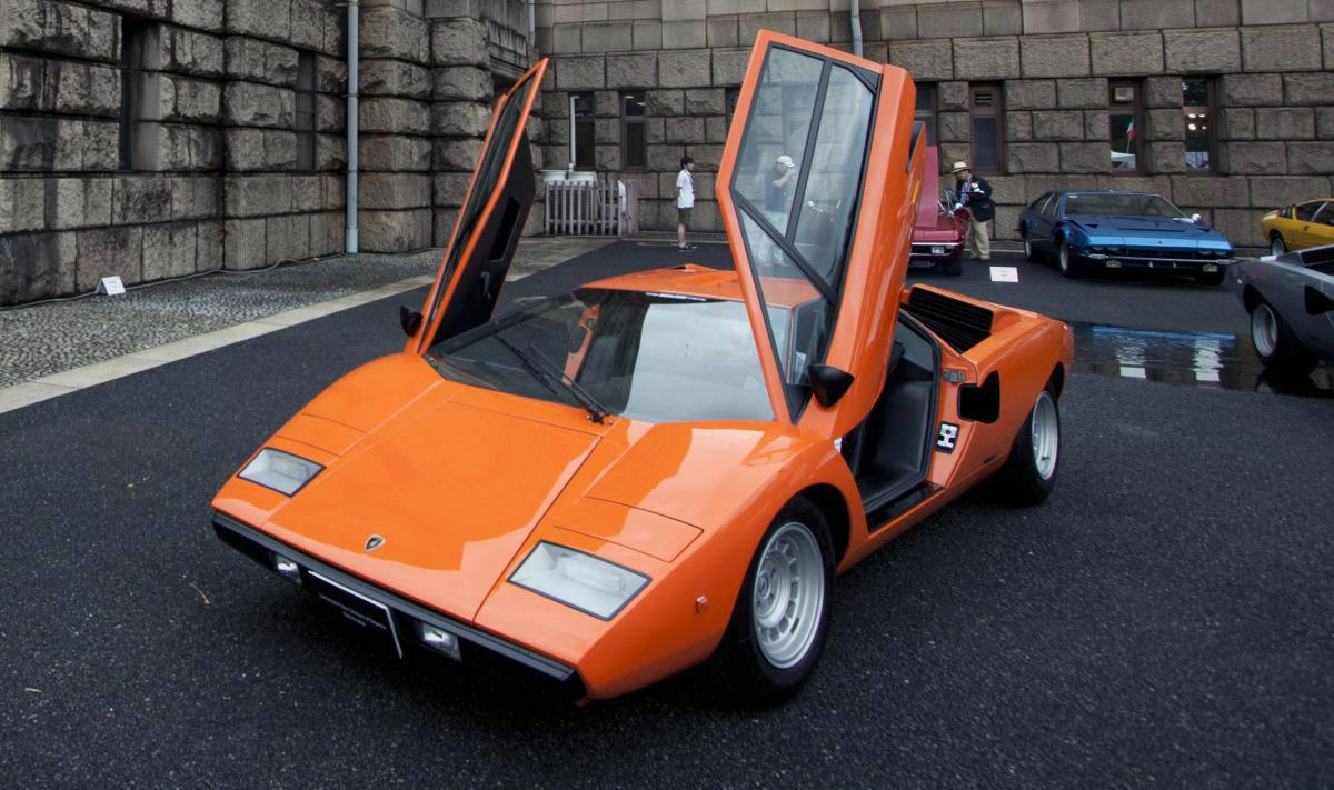 「スーパーカー」はわかるけど最近聞く「ハイパーカー」って何もの?