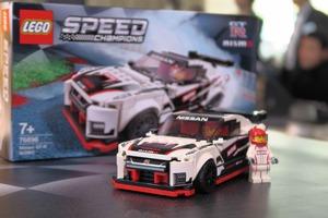 日産GT-RニスモがLEGO(レゴ)史上初の日本車モデルに! 世界最速ドリフトマシンのカラーリング採用