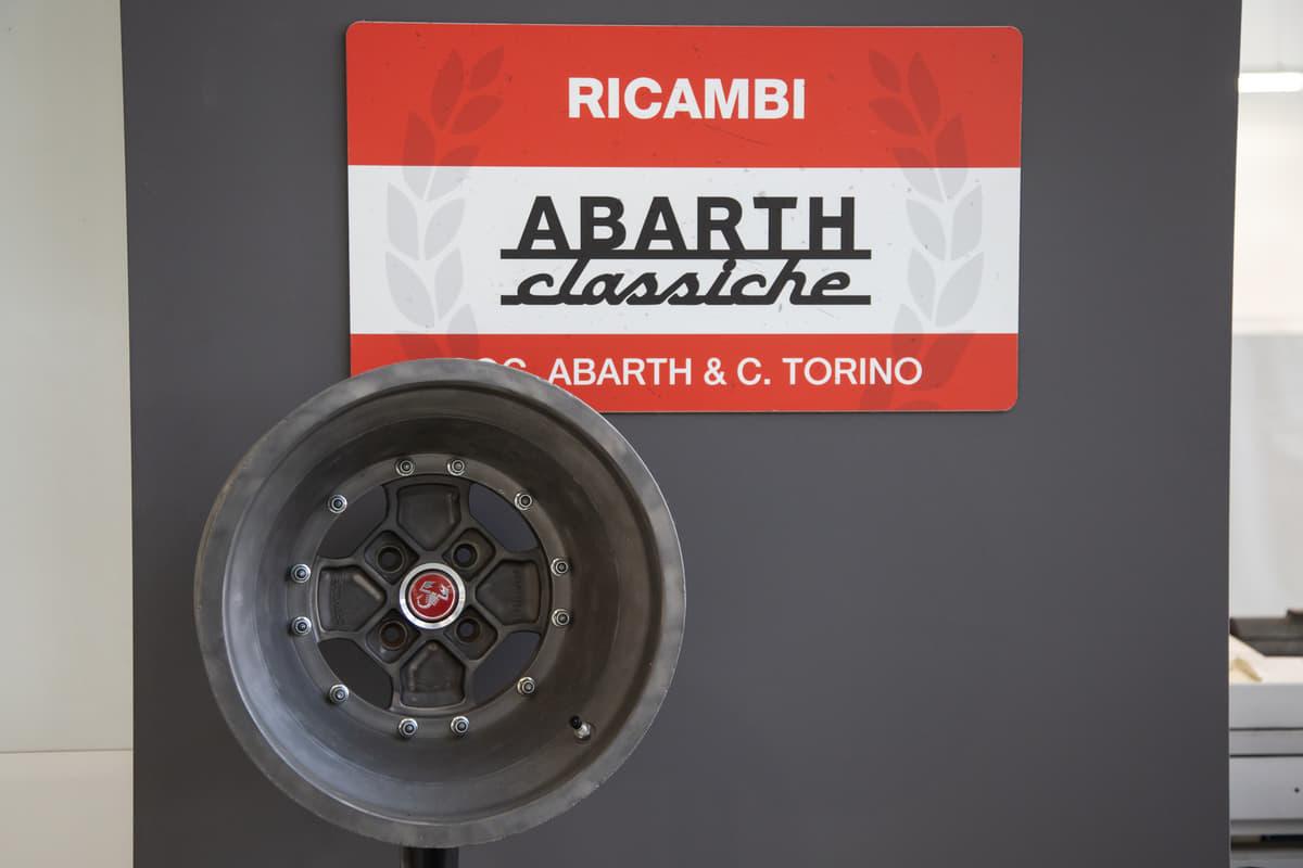 FCAヘリテージHUBで出会った! カルロ・アバルトが所有した「2400クーペ・アレマーノ」に試乗