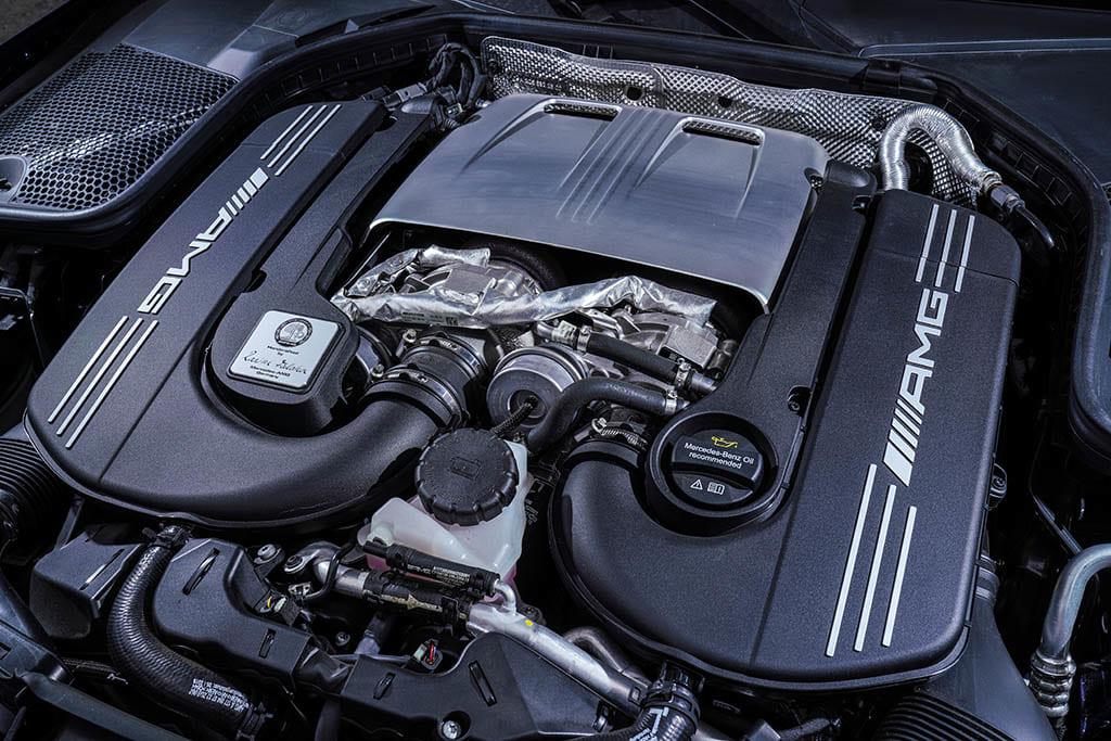 【比較試乗】「アウディRS4アバント vs メルセデスAMG C63 S ステーションワゴン」高性能ワゴンのトップガンは俺だ!
