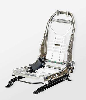 テイ・エス テック、新型フィットにシート採用 骨格を大幅軽量化