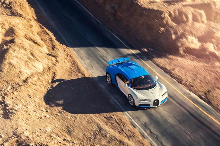 最高速度420km/h、ブガッティ シロンの量産モデル開発テストに同行