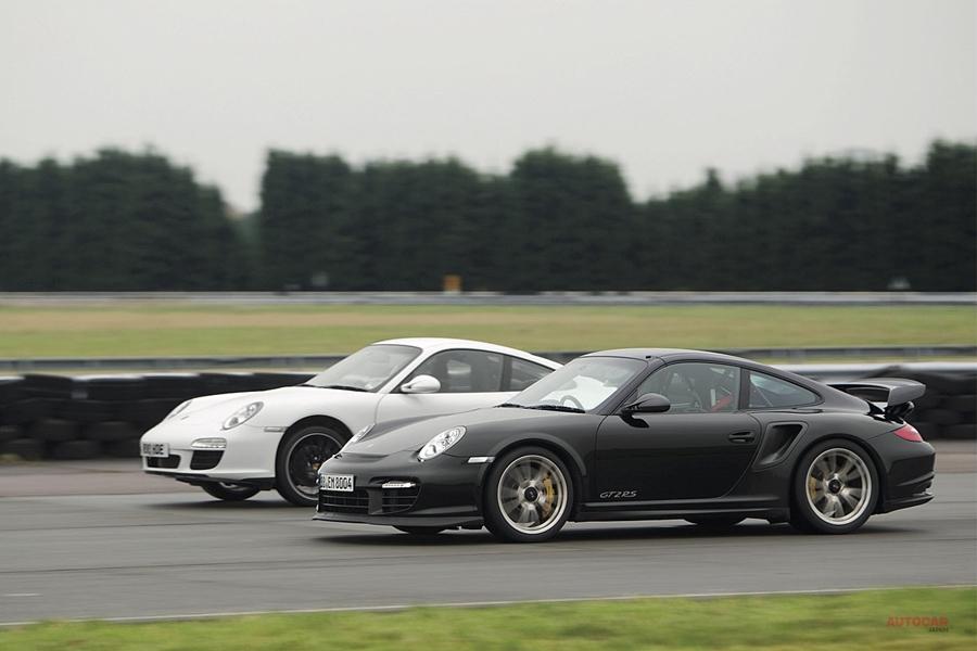 回顧録 比較試乗 911カレラ vs GT2 RS 価格差2倍の差は?