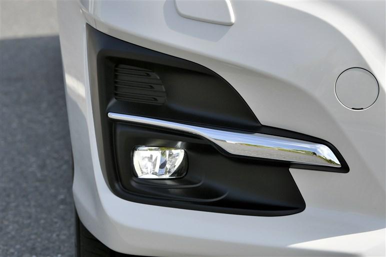 進化したアイサイトは高速道路の幅広いシーンでほぼ自動ハンドルが可能に