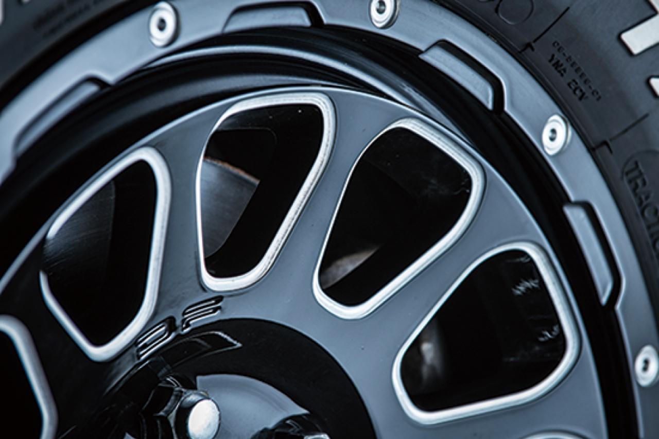三菱デリカに履くならこれ! D:5専用ならではの緻密なコンケイブデザイン「デルタフォース・オーバル」  up!styleのススメ