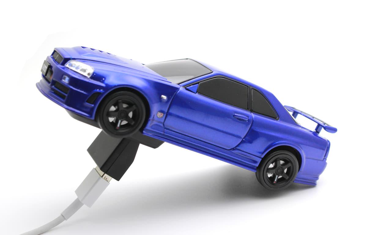 クルマ好き必見のモバイルバッテリー「車型スマホ充電器・日産スカイラインGT-R R34 NISMO Z-tune」