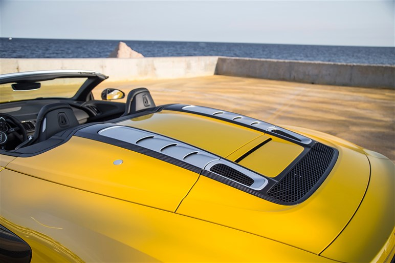 新型R8スパイダーに海外試乗。極めてハードルが低いスーパーカー