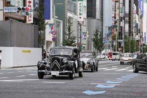 新旧シトロエン、都内をパレード シトロエン100周年記念イベント