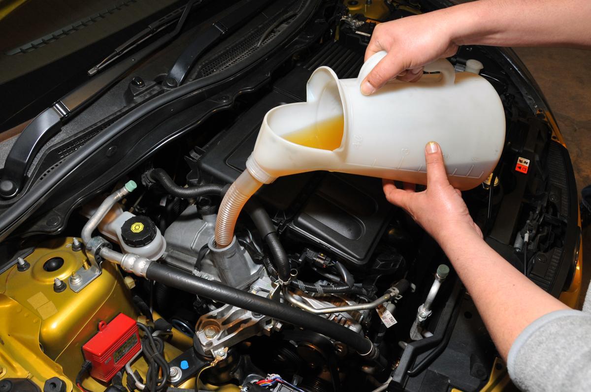 季節でエンジンオイルの粘度を変えるのは今も有効? もっと重要な粘度変更のタイミングとは