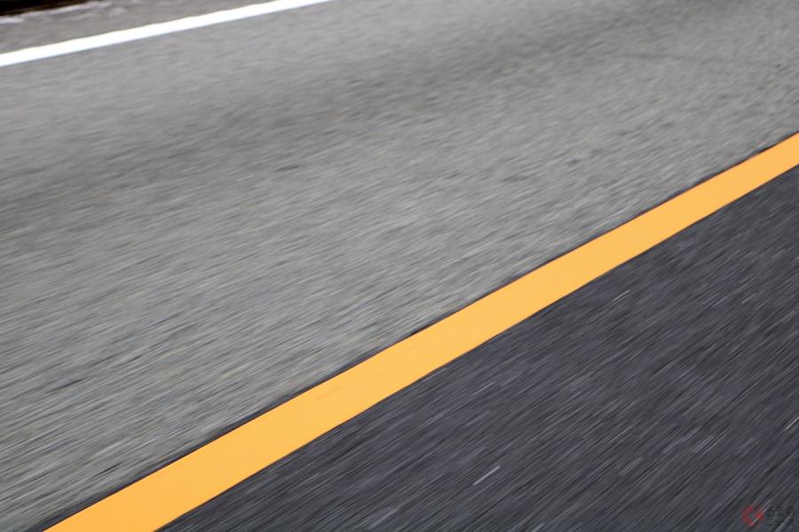高速の分岐、間違えたらどうする? 進路変更したくてもできない長すぎる黄色線は何のため?