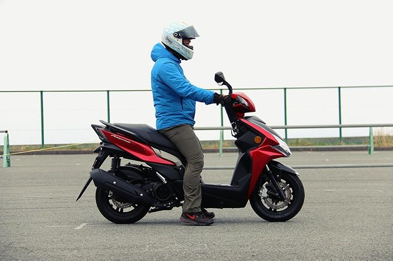 ホンダがルーツの台湾製スクーター キムコ レーシング S 125