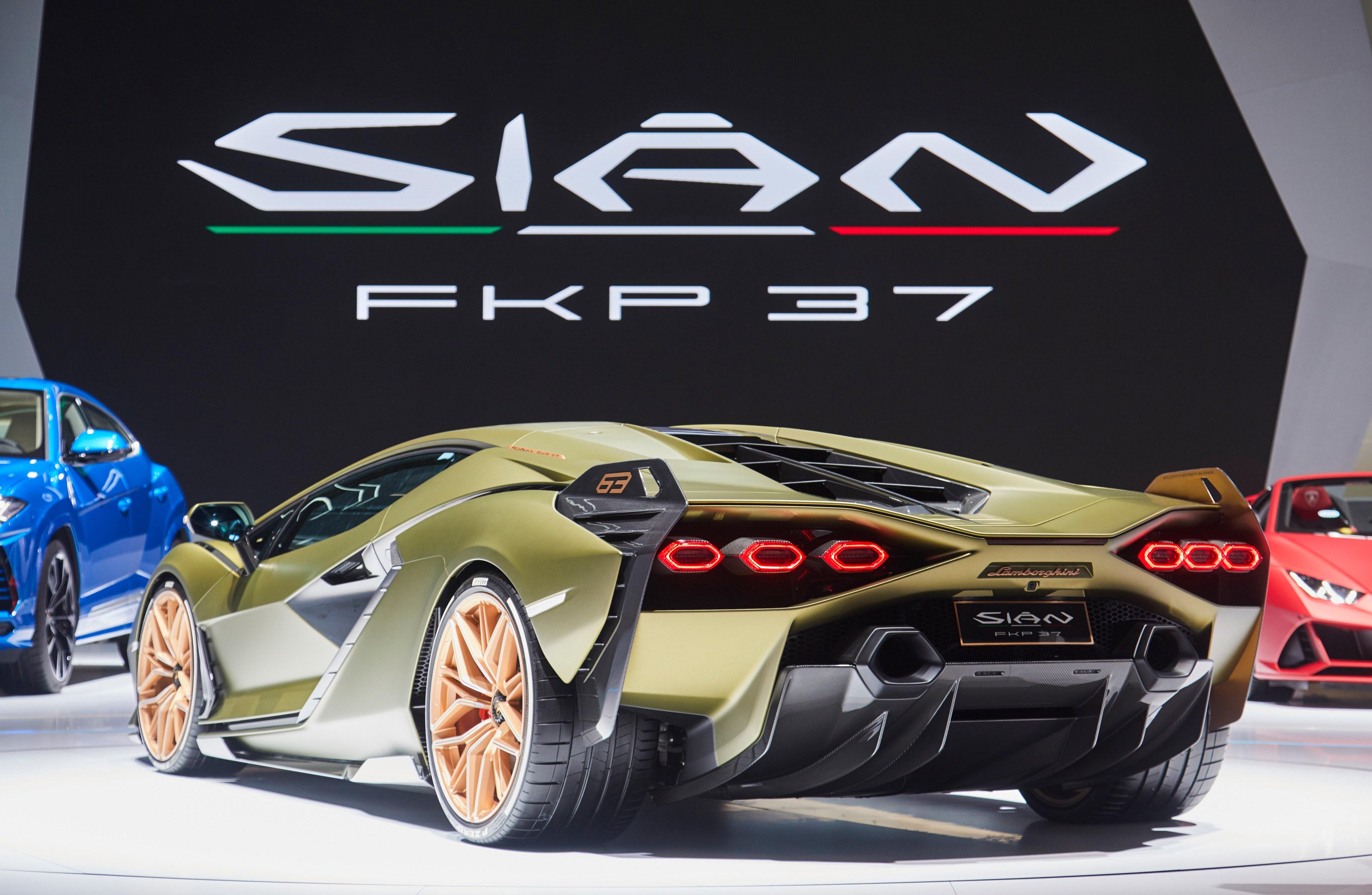 開発部門トップが語る「シアン FKP37」に込めたランボルギーニの決意