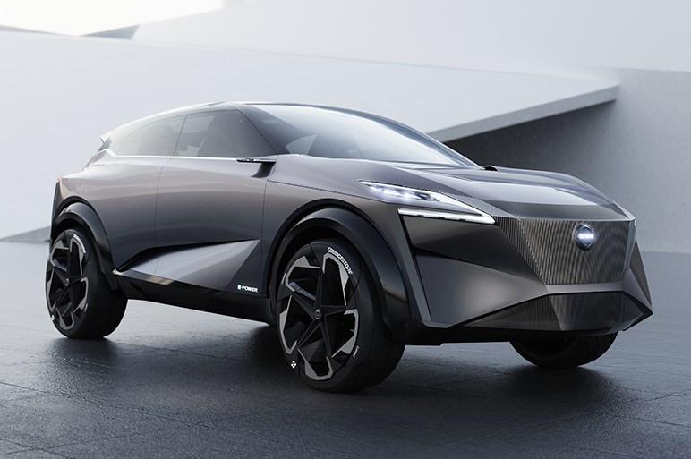 日産、新型シルフィを初公開。GT-Rにも匹敵する空力性能を備えるスポーティなスタイル