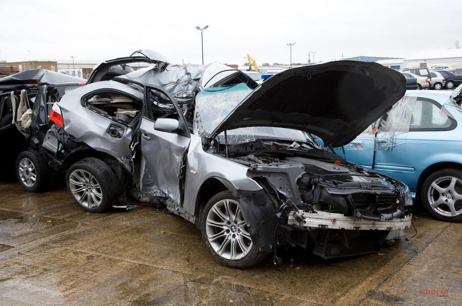 英政府が検討中 初心者ドライバーに夜間の運転禁止する法案
