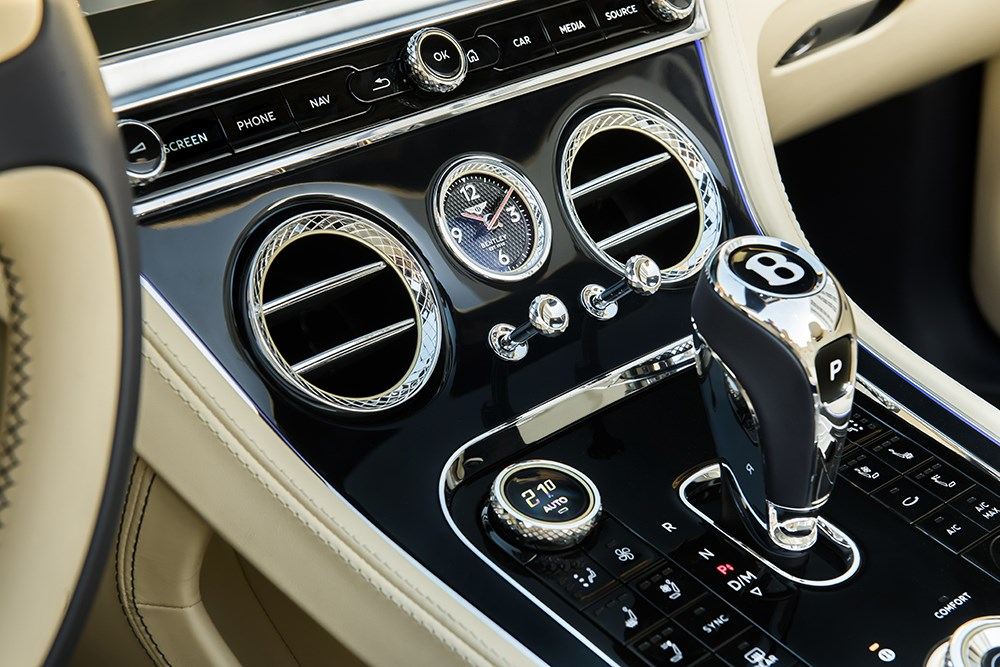 ベントレー コンチネンタルGTにスポーティ版たるV8モデルが追加