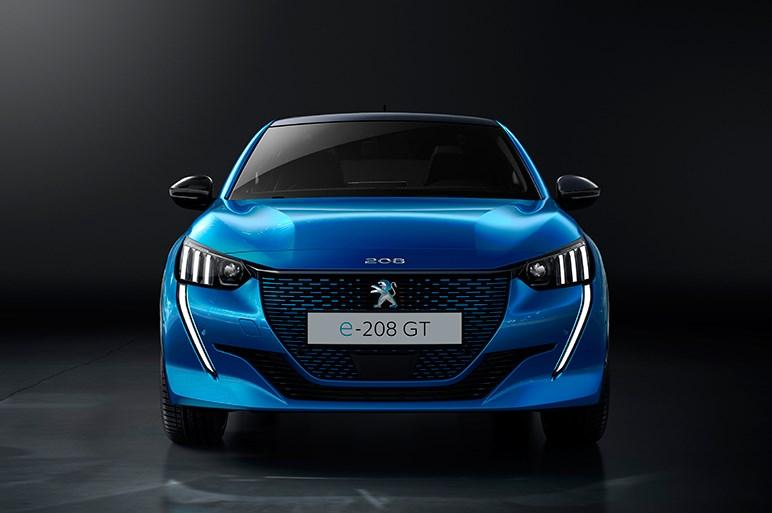 プジョー、新型208をジュネーブモーターショーで公開へ。航続距離340kmの電動仕様モデルも