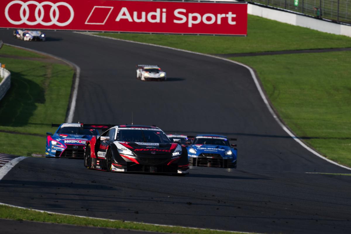 """トヨタ 新型GRスープラ""""GT4″を発表、SUPER GTマシンの""""GT3″とはなにが違う?"""