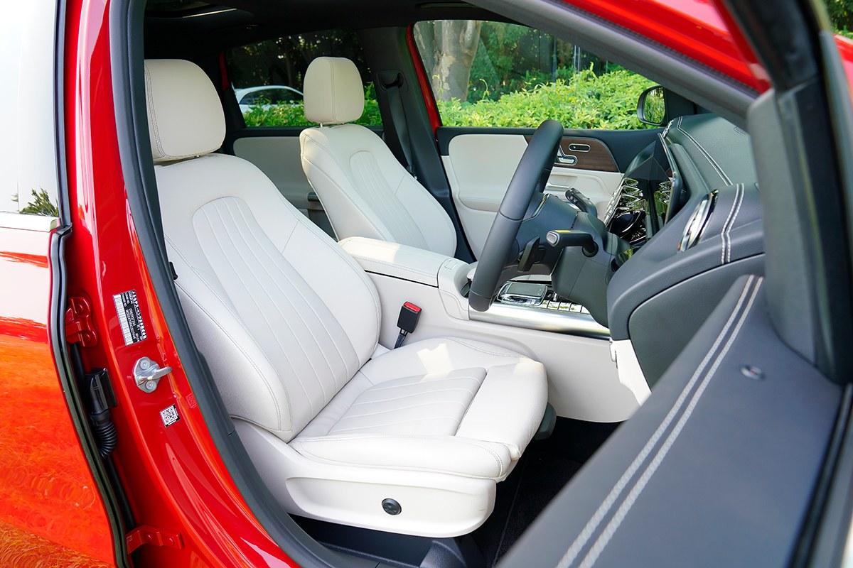 「小型車=安っぽい」はもう古い。万能型に仕上げられた新型Bクラス