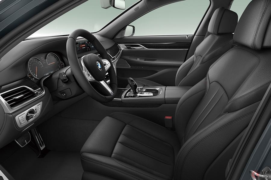 BMWが特別仕様車「740i ドライバーズエディション」を発表 装備を厳選してスポーティな個性を強調