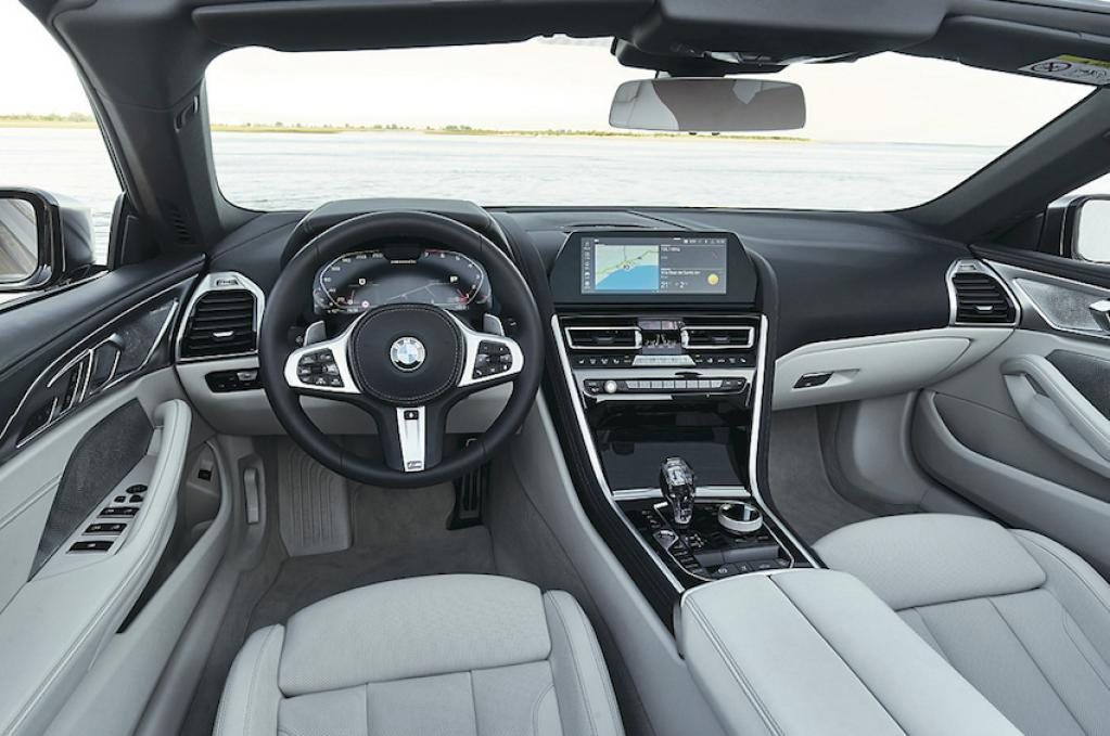 BMW史上最高の開放感! 8シリーズ・カブリオレ