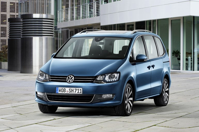 VW、シャランのマイチェン版を披露