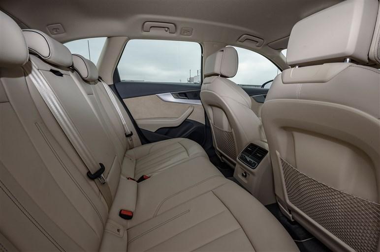新型A4オールロードクワトロ試乗。インテリジェントなSUVの選択肢