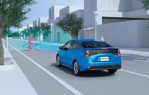 もしものときにも頼もしい! トヨタが「プリウス」と「プリウスPHV」の安全性と給電機能を強化