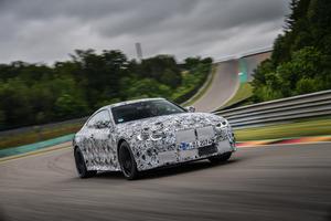 新型BMW M3&M4がニュルブルクリンクを走る! 2020年9月デビューに向けて開発は重要局面へ【動画】